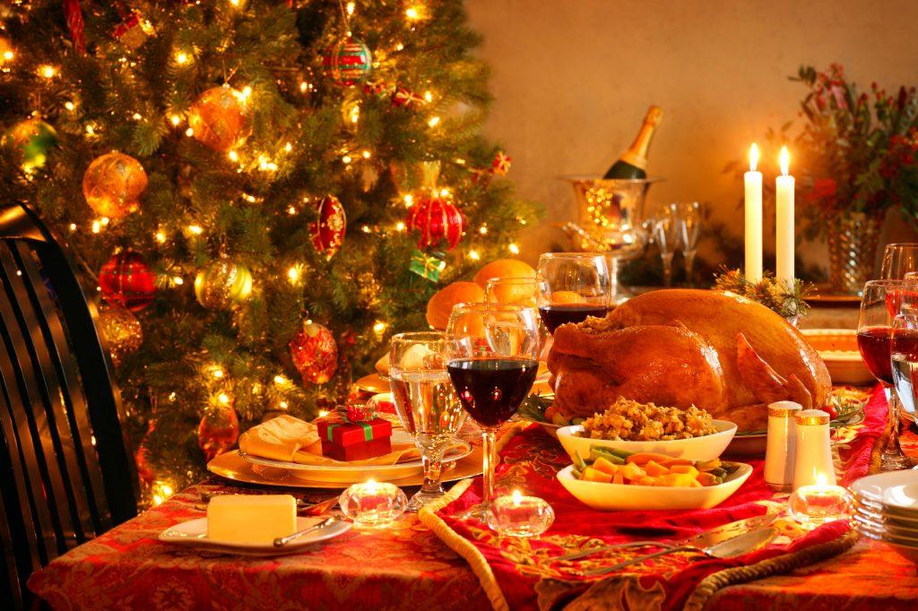 I Regali Di Natale Quando Si Aprono.Cenone Della Vigilia O Pranzo Di Natale L Eterno Dilemma