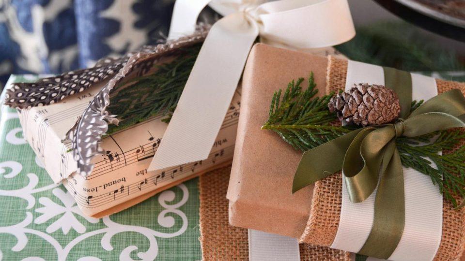 Idee Pacco Regalo Natale.Pacchetti Regalo Natalizi Aspettando Natale